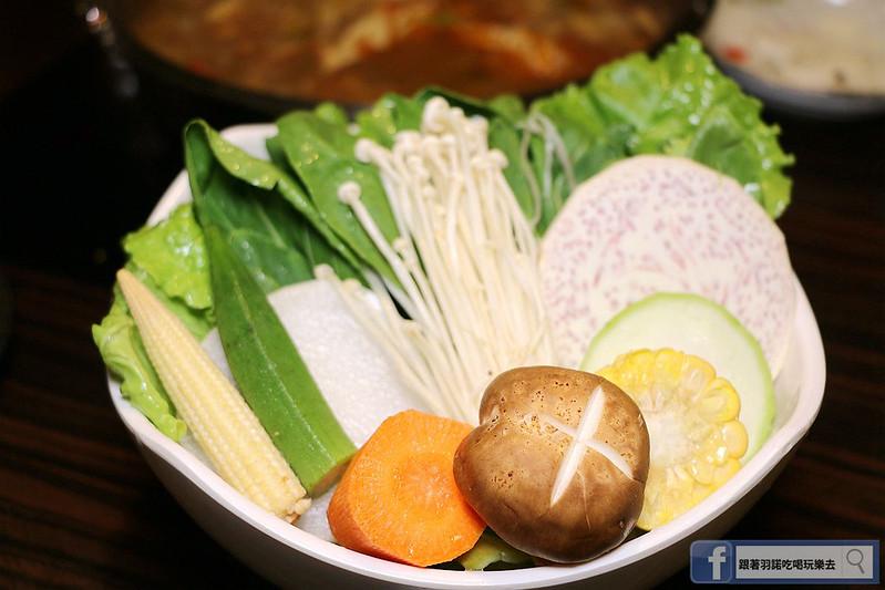 雲之南麗江斑魚火鍋六張犁美食106