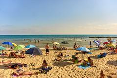 Summer time (Semprizio) Tags: spiaggia mare persone marinadiragusa sea sand beach people summer estate vacanze holidays nex6 italia italy sicilia sicily discover relax horizon