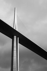 Viaduc de Millau (jonathantourtois) Tags: france millau lieux midipyrnes viaducdemillau labastidepradines