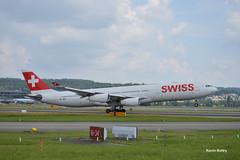 HB-JMJ (Kevin Bitry) Tags: hbjmj hb jmj swiss swissintlairlines suisse zrich f zurichflughafen zurichairport aroport airport lszh zrh airbus a340 a340313 airbusa340 airbusa340313 lx kloten zrichkloten d3200 d32 d32d nikond3200 nikon kevinbitry kevin keke kequet kequetbibi kequetbitry