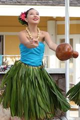 hula ipu (1600 Squirrels) Tags: photo 5dii lenstagged canon24105f4 hula show ipu coconutmarketplace wailua kapaa kauai hawaii usa eastside 1600squirrels ti leaf skirt waipouli kauaicounty