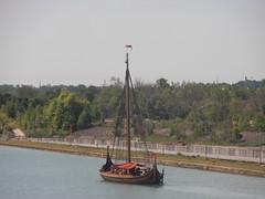 Draken Harald Hrfagre (logan007) Tags: drakenharaldhrfagre wellandcanal stcatharines canada lock3