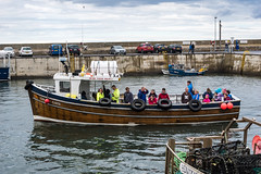 happy sailors (pamelaadam) Tags: geolat55582650 geolon1651977 thebiggestgroup fotolog digital summer 2016 july holiday2016 boat sea people lurkation seahouses northumbria engerlandshire