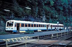 VT 411 + VS 220  Calw  25.09.82 (w. + h. brutzer) Tags: analog train germany deutschland nikon eisenbahn railway zug trains vt weg privatbahn eisenbahnen calw triebwagen triebzug triebzge webru