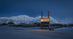Jotun (JanSivert) Tags: longyearbyen svalbard blålys blåtime februar