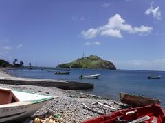村の浜から見た島 (lulun & kame) Tags: scottshead dominica スコッツヘッド america ドミニカ アメリカ大陸