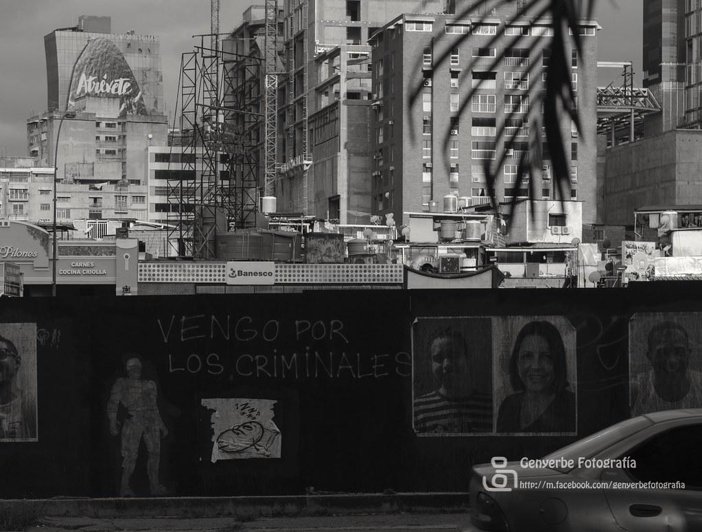 De corbatas o sin ellas genyerbe fotograf a tags nikond7000 caracas venezuela street polic a