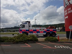 Volvo FH13 In Leckwith (JAMES2039) Tags: volvo tow towtruck truck lorry wrecker heavy underlift heavyunderlift 6wheeler cardiff rescue breakdown ask askrecovery recovery fh13 pn09juc pn09 juc kfc
