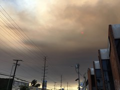 IMG_3814 (lnewman333) Tags: losangeles ca usa socal southerncalifornia smoke sky sun fire sandfire santaclaritafire hollywood