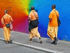 Rainbow (heinzkren) Tags: regenbogen rainbow buddhisten farbe multicolor color prediger seelsorge werbung wien vienna mnner men frisur kleidung exotik hintergrund background style street streetfoto bunt colorful farbenpracht monks mnche trio team arcobaleno harekrishna hare krishna religion glaube jnger lehre spirit spiritual buddhismus