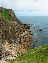 Acantilado (Julin Martn Jimeno) Tags: asturias castrillon costa espaa nikon d7000 2016 mar cantabrico acantilado playa