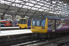 142 090 & 150 143 and x2 150/1 and 158 Limestreet Station (frisiabonn) Tags: 142 150 158 dmu pacer diesel multiple unit merseyside liverpool limestreet station train uk great britain england united kingdom