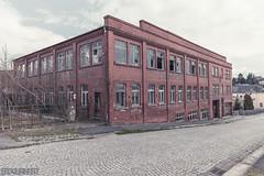 hanglage (erdquadrat) Tags: vogtland pausa backstein bricks industriearchitektur factory bzrkkrlmrxstdt sachsen gdr industrie urbex lostplace industriebrache
