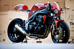 triumph-triple-speed-5