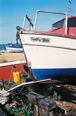 Sally Joy - Deal, Kent (jcbkk1956) Tags: minoltaa5 minolta rangefinder analog 35mm agfa200 deal kent beach rokkor 45mmf28 boat fishingboat fishing film