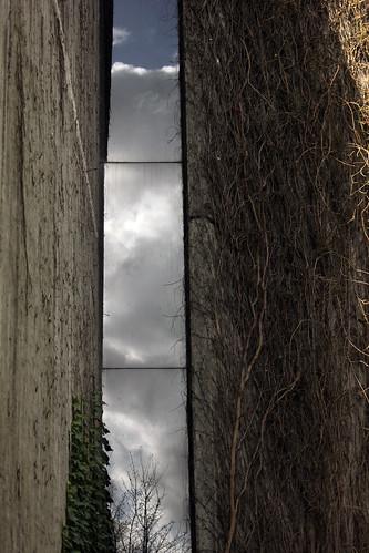 """Undurchsichtiges Fenster • <a style=""""font-size:0.8em;"""" href=""""http://www.flickr.com/photos/69570948@N04/16512515924/"""" target=""""_blank"""">Auf Flickr ansehen</a>"""