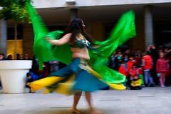 Danza del ventre (vannisara86) Tags: donna ballerina strada pisa movimento colori danzadelventre pisainfiore largociromenotti