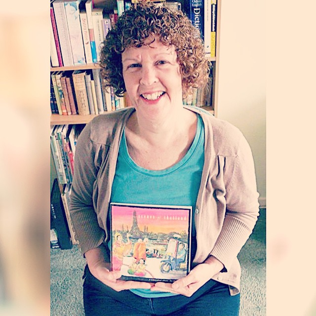 Lovely Jules Woolford, fellow sketcher from the UK, with my #ScenesOfThailand book, received courtesy of @mabelyap! Happy Songkran, the Thai New Year! :)