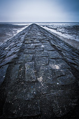 Waves breakers in Duhnen at low tide (thdoubleu) Tags: beach strand canon eos tide low lowtide nordsee watt ebbe cuxhaven wattenmeer niedersachsen duhnen nordseekste 700d nordseeheilbad canoneos700d