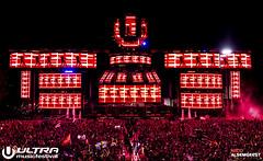 Ultra Music Festival 2015 (Nicoalsemgeest.com) Tags: usa work word photography photo fireworks miami pyro ultra edm handsup diddy mainstage tiesto arminvanbuuren pdiddy steveaoki hardwell goedgekeurd skrillex afrojack justinbieber 3lau edmpics edmlife martingarrix alsemgeest