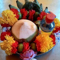 โอม ศรี คเณศายะ นะมะหะ  ร้านกังกิเทน คเณศ (Kangi-Ten Ganesha)  เปิดให้บูชาองค์มหาเทพ และเครื่องสักการะบูชา วันพฤหัสฯ - วันอาทิตย์ เวลา 18:00 - 24:00 น. @ ตลาดรถไฟศรีนครินทร์ หลังซีคอน โซนตลาดนัด ล๊อค D22  Contact : 1. Hot LINE : 0909-878-979 2. LINE : htt