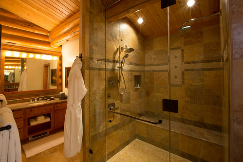 Two bedroom cabin double steam shower
