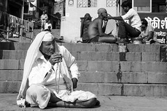 Sitting and shaving (Dick Verton ( more than 13.000.000 visitors )) Tags: travel people india asia sitting streetlife explore shaving sit varanasi seated streetview ghats streetimage