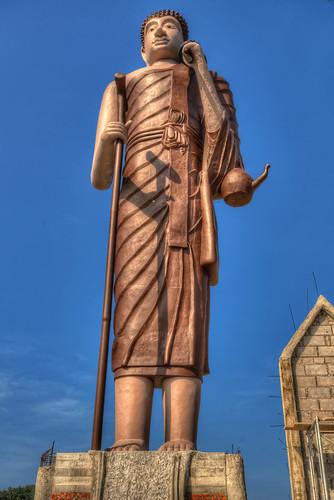 The giant Buddha at Wat Khao Noi
