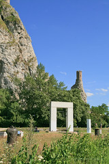 Jul 7: Pilars in Devin (johan.pipet) Tags: flickr devin devn bratislava castle ruins cliff crag monument columns vertical memorial tower maiden gate pole hill rock sunny summer slovakia slovensko history old palo bartos barto canon nocrop eu europe