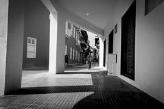 Towards the equality / Hacia la igualdad (Carlos Pizarro Photography) Tags: bw black white arquitecture cartagena road street calle camino empedrado paved