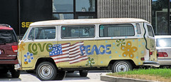 Love Peace (Eyellgeteven) Tags: old flowers decorations usa classic love hippies vw vintage volkswagen paint peace painted flag decoration hippy americanflag flags faded german vehicle spraypaint 1960s van 1970s jalopy usflag beatup junker decorated beater microbus vwbus loveandpeace twotone hippyvan madeingermany hippybus eyellgeteven