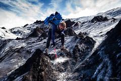 Chopping ice (michael.mu) Tags: leica m240 leicasummicron35mmf20asph leicasummicronm1235mmasph bwpolarizer arcanumglaciertours iceland slheimajkull glacier nordicvisitor colorefexpro