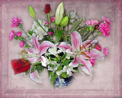 Keep love in your heart! (boeckli) Tags: pink flowers plant photo colours pastel border blossoms pflanze rosa blumen textures frame bloom vase bouquet colourful bunt strauss blten textur blumenstrauss photoborder pare frametexture pasrel