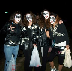 Female Kissettes (PhotoJester40) Tags: outside outdoors trickortreating costumes kiss kissettes females starchild demon catman spaceace makeup halloween posing showingoff showingoffforthecamera