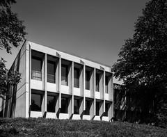 Another one bites the dust (Chimay Bleue) Tags: reston virginia building marcel breuer concrete brutalism brutalist design architecture midcentury modernism modernist modern beton brut