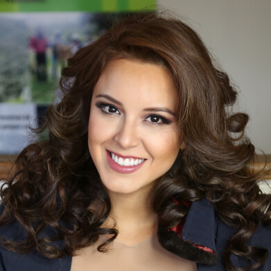 Katherine Elizabeth Espín Gómez From Ecuador Crowned Miss