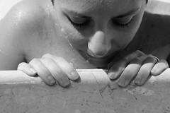 . (CarloAlessioCozzolino) Tags: silvia amore love blackandwhite biancoenero piscina pool mani hands anello ring