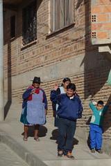 Bienvenidos a Sucre. (Hel*n) Tags: family familia capital hauptstadt familie bolivia cholita bolivien sucre chuquisaca charcas