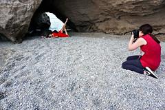 Ballerina a mare (pinomangione) Tags: pinomangione tropea fotografi mare rosso spiaggia allaperto