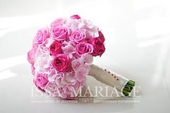 Buchet mireasa colorat (IssaEvents) Tags: buchet mireasa trandafiri roz si rosii bucuresti valcea slatina issaevents issamariage