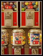 I want candy (thierrymasson94) Tags: iwantcandy distributeur confiserie candy beaver rascals