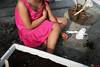 Jardinage | Gardening | Jardinería (Eric Dupuis) Tags: eric dupuis ericdupuis éricdupuis photo photographie photography montreal quebec canada artiste artist photographe photographer artista foto fotografo fotografia jardinage gardening jardinería enfant kid child niña childhood enfance niñez fille fillette girl mai mayo may 2016