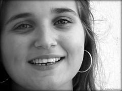Anaïs portrait noir et blanc 1 (bleumarie (absente)) Tags: été été2016 mariebousquet 2016 bleumarie fuji pyrénéesorientales roussillon saintemarie suddelafrance méditerranée portrait sourire regard jeunefille douceur yeux photodemariebousquet mariebousquetphoto catalogne adolescente sépia yeuxclairs regarddoux regardclair nez sourcil