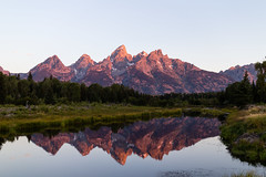 Grand Tetons  and the Snake River at Sunrise (Jon Wojan) Tags: grandteton grandtetons teton tetons snakeriver reflection dawn sunrise sky cielo nature mountain mountains landscape