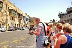 in queue (NadzNidzPhotography) Tags: nadznidzphotography tour tourists valleta malta cruise cruising cruiseship cruisers crui cruiselifestyle streetphotography