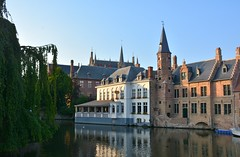 Bruges: Dijver (zug55) Tags: bruges brugge brgge flanders flandres flandern belgium belgique belgi belgien vlaanderen westflanders westvlaanderen unescoworldheritagesite worldheritagesite unesco welterbe werelderfgoed dijver canal kanal kanaal explore