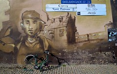 Bikeless (Clayton_P) Tags: street art canon copenhagen denmark eos graffiti tag tamron steen loomit 650d 1024mm skelbaekgade kopamer