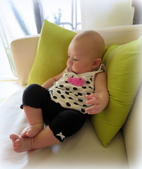 (LILI 296...) Tags: baby vert bébé pois coussin maelys