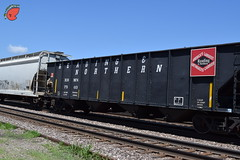 Old 4-Bay Coal (Twigy BNSF) Tags: blue mountain reading coal northern hopper