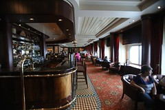 Golden Lion Lounge (Procyon Systems) Tags: queenmary2 cunard transatlantic slowtravel queenmary2remastered
